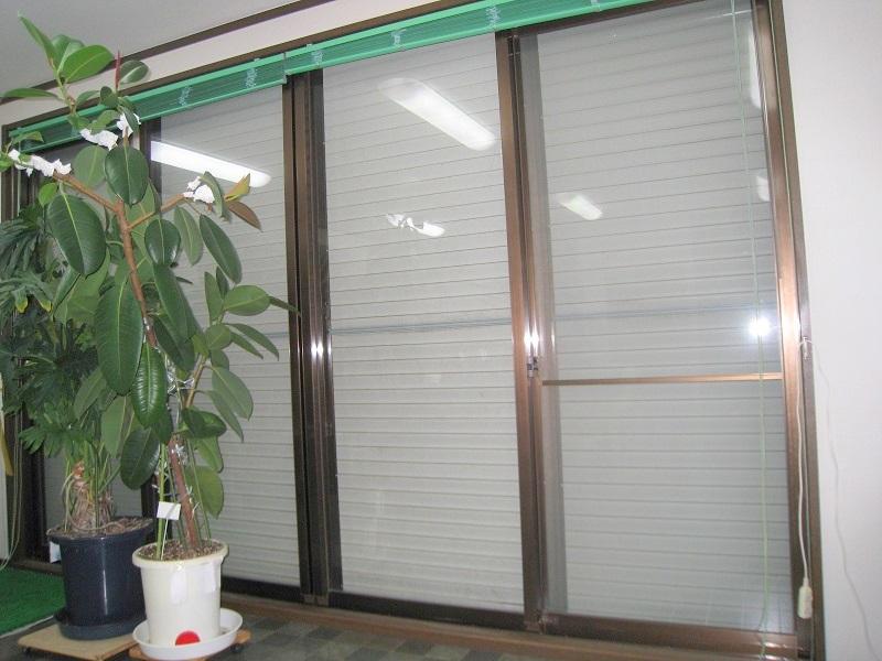 窓ガラス飛散防止&紫外線カット透明フィルム施工事例(一戸建て)