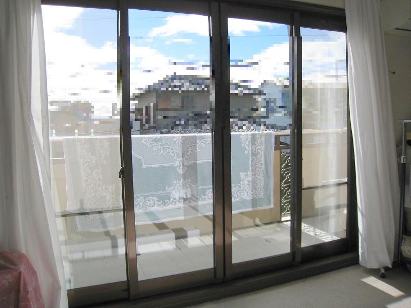 窓ガラス(フロート、ペアガラス)にフィルム施工
