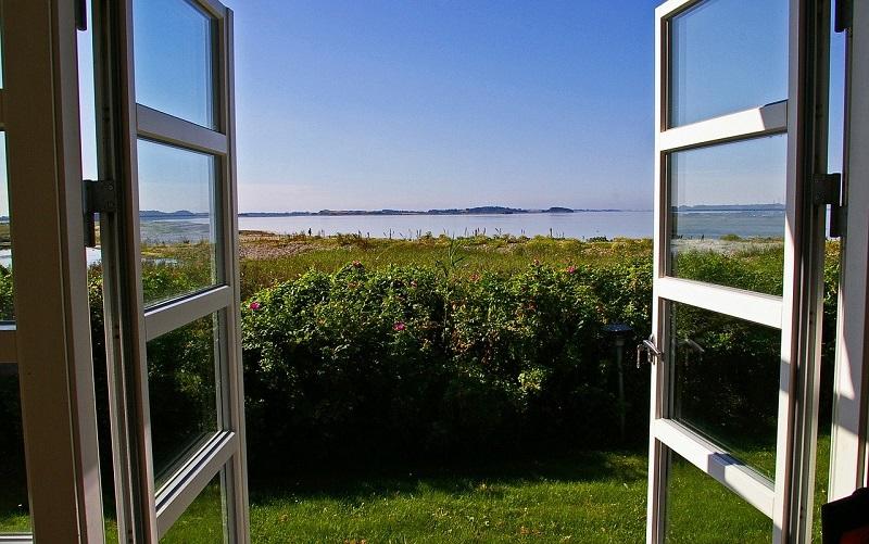 窓ガラスフィルムの施工事例-一戸建て,マンション,商業ビル,店舗