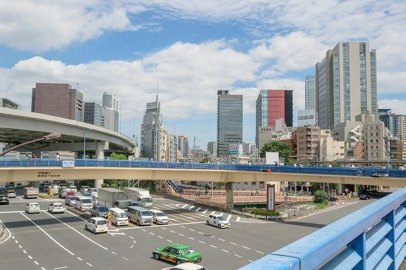 飯田橋の公共施設の窓ガラスにガラスフィルムを施工
