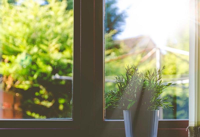 一戸建ての窓ガラス