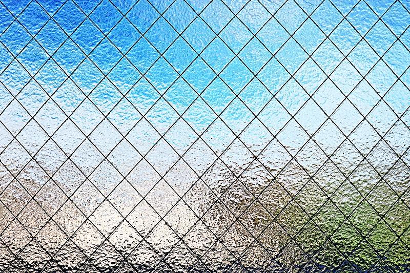 網入りガラス(磨菱型ワイヤー)