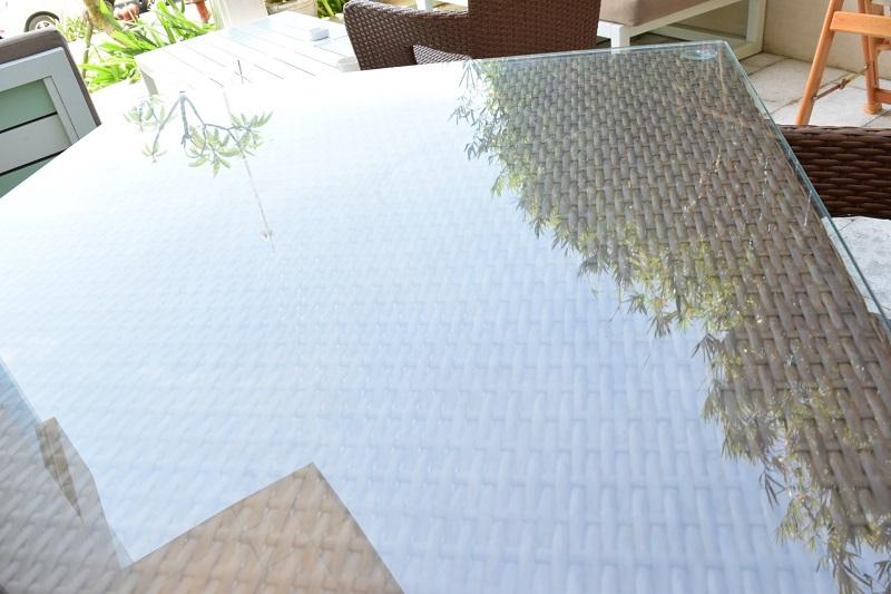 ガラステーブル、ガーデンテーブル