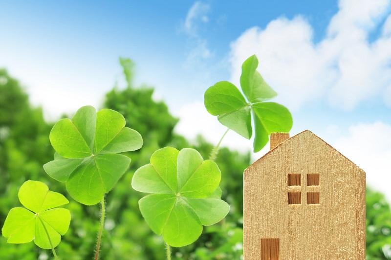一戸建て住宅、家