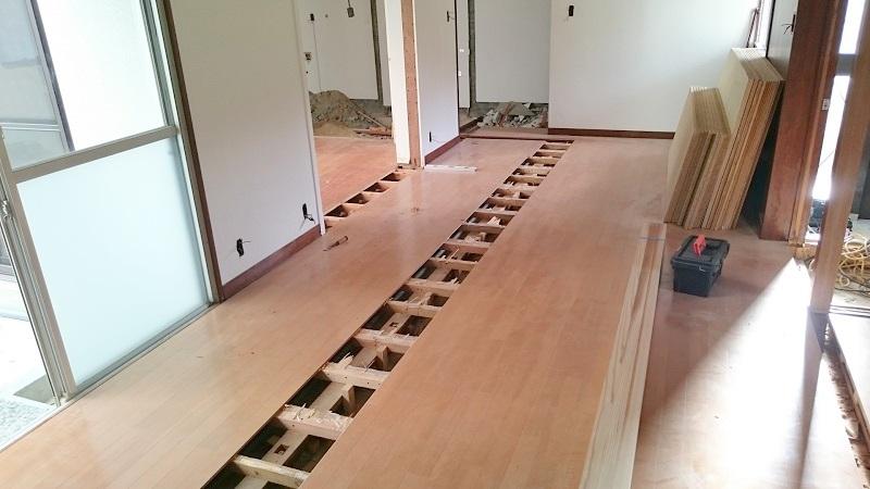 床のフローリングリフォーム