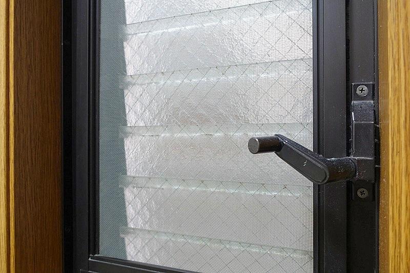 ルーバー窓/ジャロジー窓のメリット,デメリット