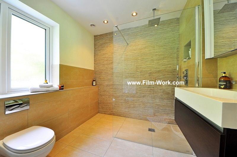 ガラス張りの浴室,お風呂に目隠しフィルム、目隠しシート