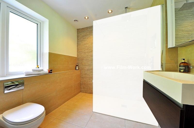 ガラス張りの浴室,お風呂+すりガラス調の目隠しフィルム、目隠しシート